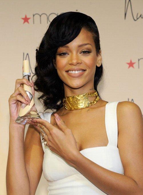 RihannaNudeFragrance