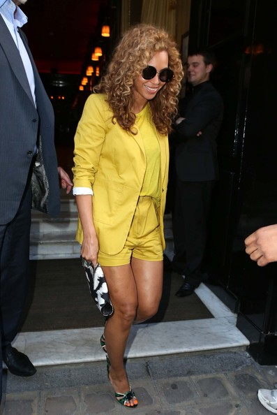 Beyonceinyellowsuitjl