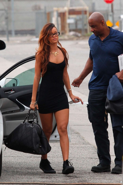 RihannaStayVideoShootAmericanAppparelDressjl1