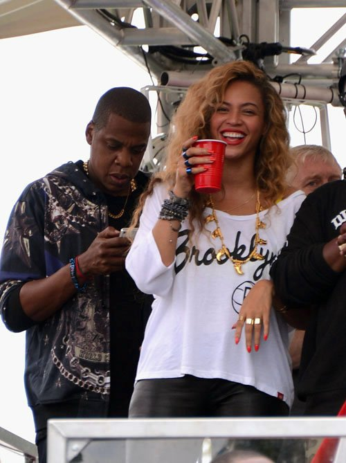 Beyoncé attends the Made in America Festival www.jinnaloves.comPic1