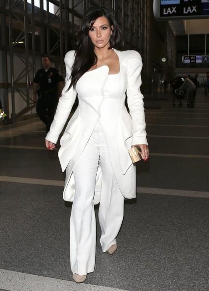 Kim Kardashian looks Winter HOT in Mugler Fall 2012