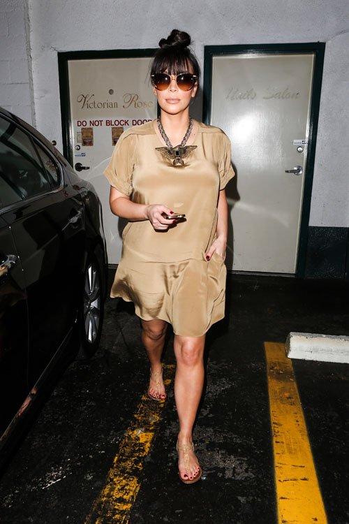 Kim Kardashian leaves a Nail Salon in a 3.1 Phillip Lim T-shirt Dress and  Lanvin Maria Felix Line Eagle Necklace www.jinnaloves.comPic2
