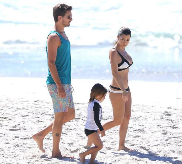 Kourtney, Scott, and Mason enjoy the beach in Mexico