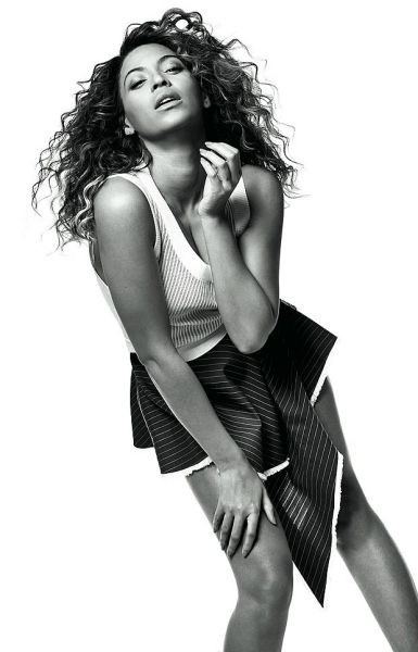 Beyoncé by Mario Testino for Vogue UK www.jinnaloves.comPic3