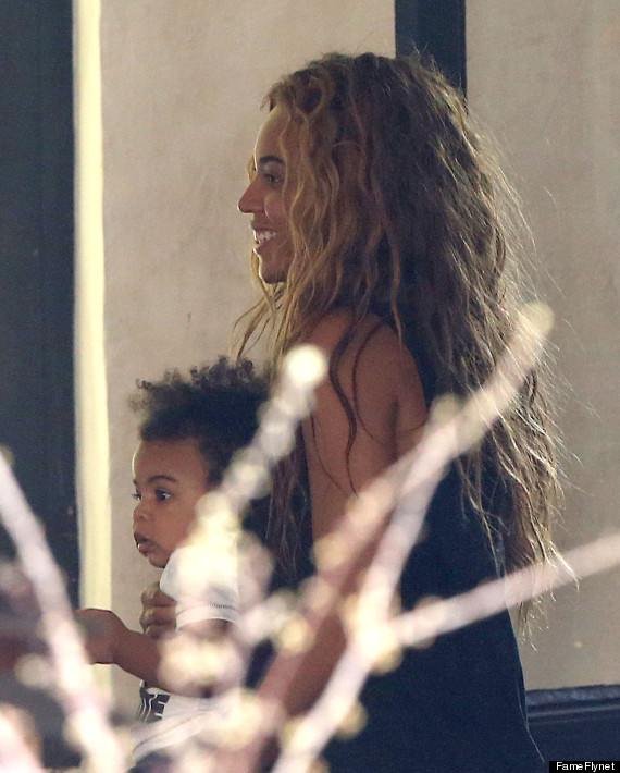 Beyoncé, Jay-Z and, Blue Ivy Carter at Lunch in Paris www.jinnaloves.comPic2