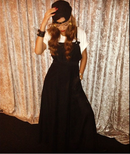 Rihanna's Instagram Pic and she wears Rihanna for River Island Sheer Overall Black Maxi Dress www.jinnaloves.comPic1