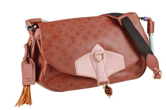 Angela Simmons Louis Vuitton Messenger Bag www.jinnaloves.comPic2