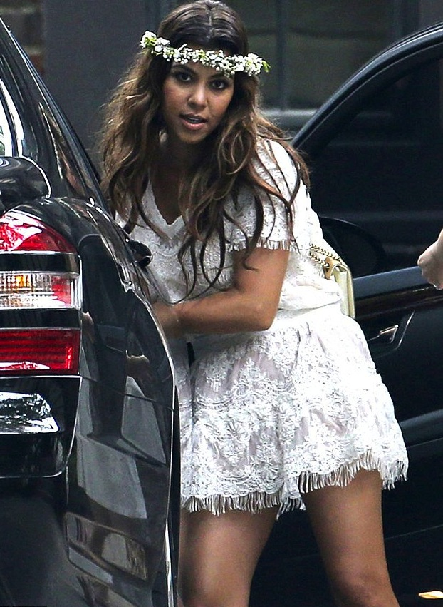 Kourtney Khloe Kardashian Attend Kims Private Baby Shower In