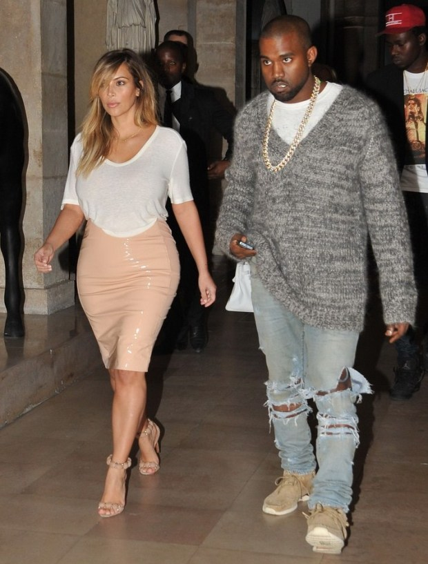 Kim Kardashian & Kanye West Enjoy Date Night in Paris www.jinnaloves.comPic1