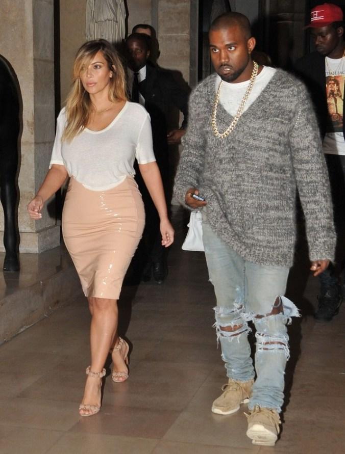 Kim Kardashian & Kanye West Enjoy Date Night in Paris www.jinnaloves.comPic1