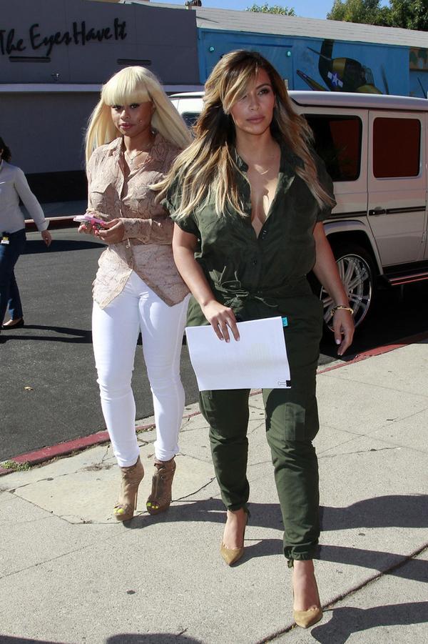 Kim Kardashian Green Jumpsuit www.jinnaloves.comPic2