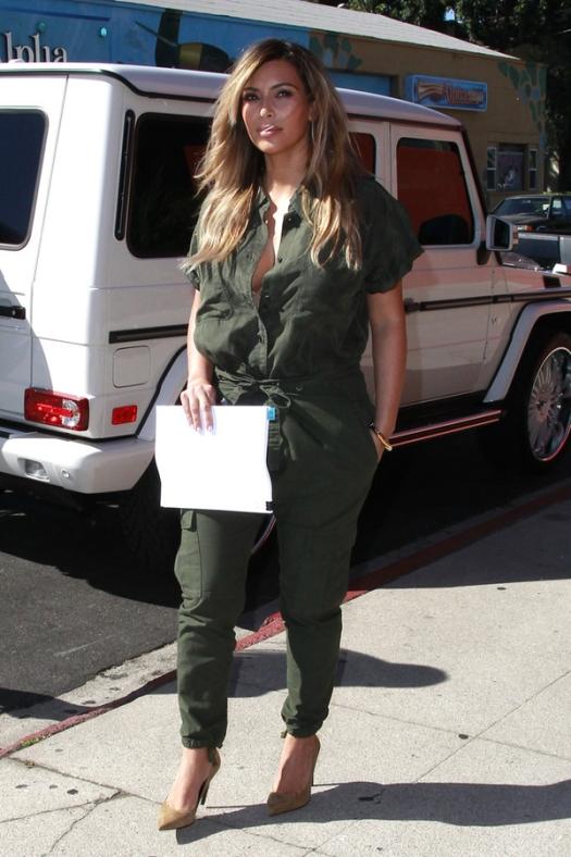 Kim Kardashian Green Jumpsuit www.jinnaloves.comPic1
