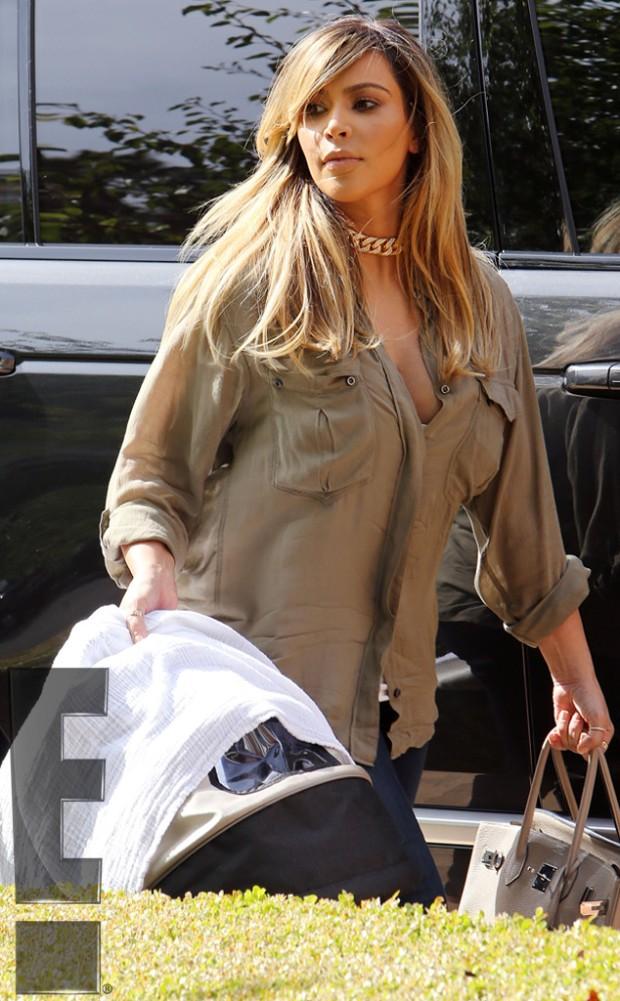 Kim Kardashian Blonde Hair Heading to BBQ Pic 1