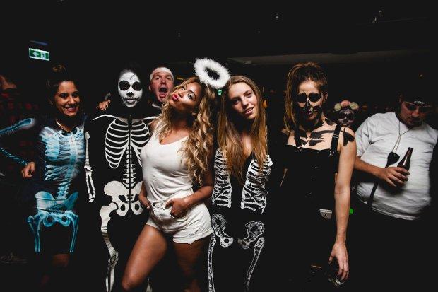 Beyoncé Halloween 2013 www.jinnaloves.comPic3