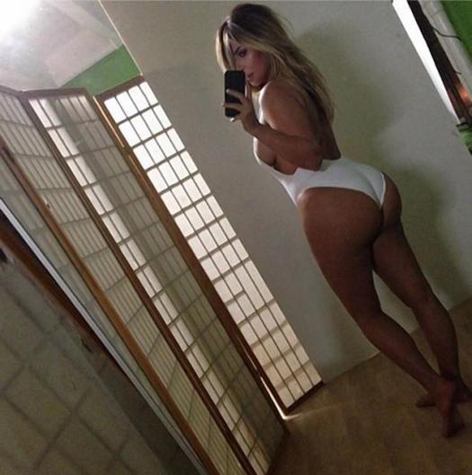 Best of 2013 Celebrity Instagram Pics Kim Kardashian www.jinnaloves.com