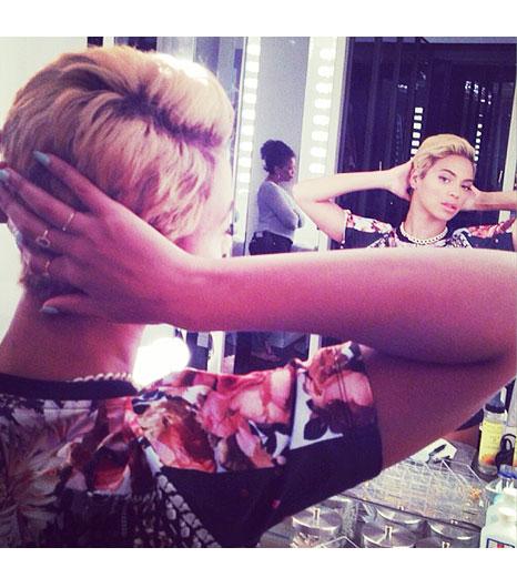 Best of 2013 Celebrity Instagram Pics Beyonce www.jinnaloves.com