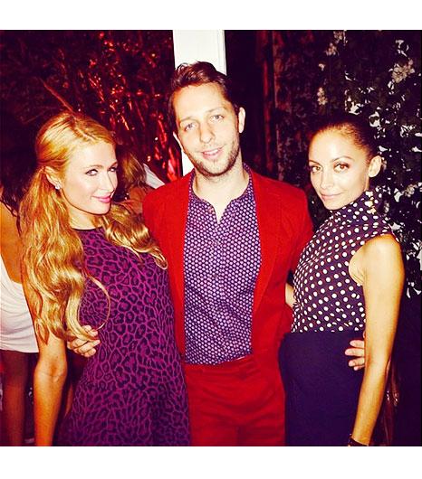 Best of 2013 Celebrity Instagram Pics Nicole Richie and Paris Hilton www.jinnaloves.com