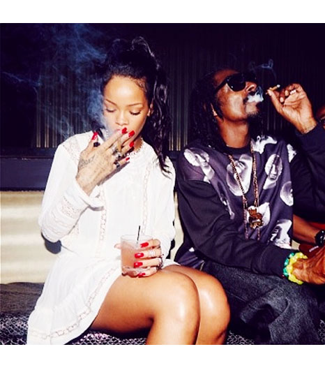 Best of 2013 Celebrity Instagram Pics Rihanna and Snoop Dogg www.jinnaloves.com