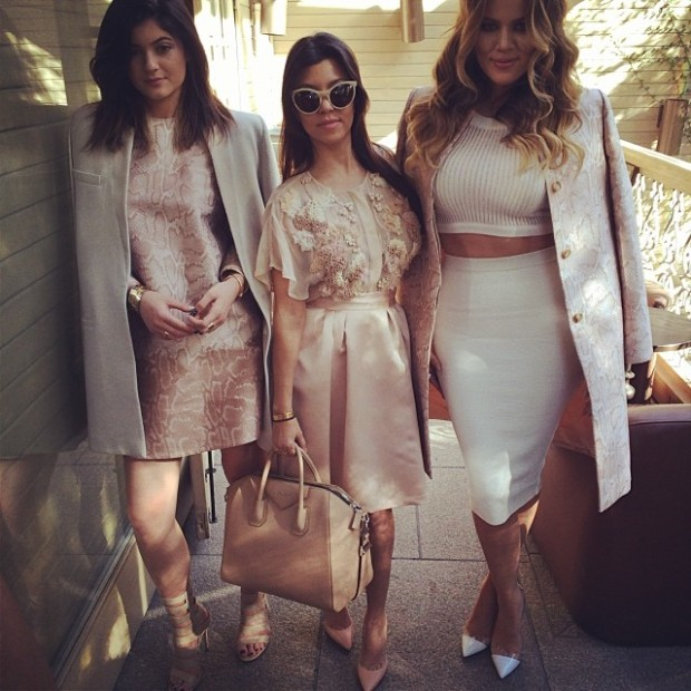 Kylie Jenner, Kourtney Kardashian and Khloe Kardashian pose on Instagram www.jinnaloves.com