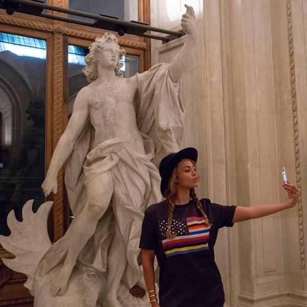The Carters Visit Museum in Paris Pic3