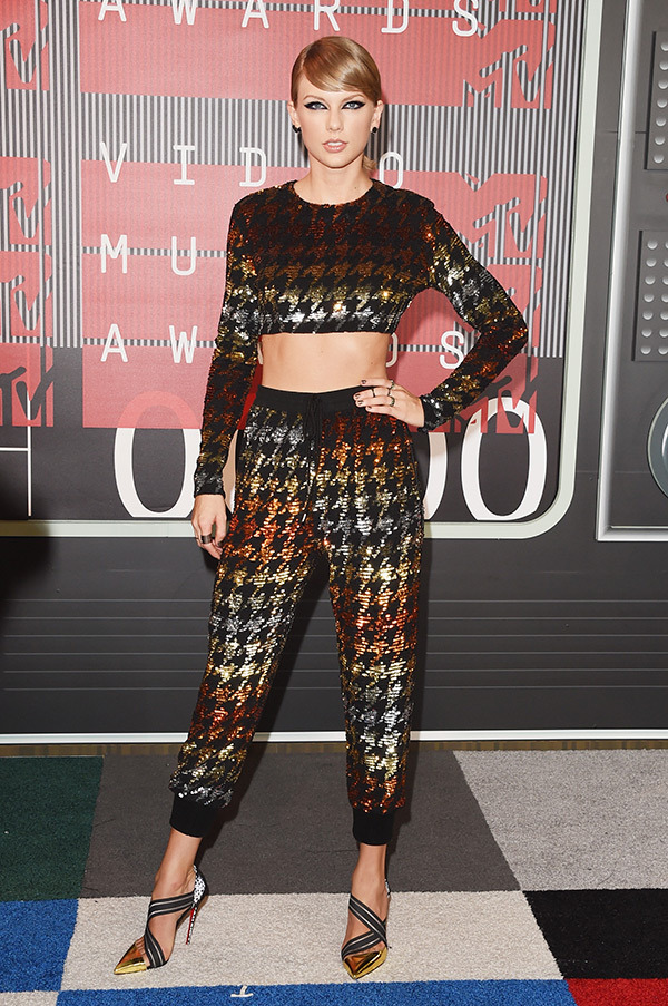 taylor-swift-mtv-vmas-2015-video-music-awards1