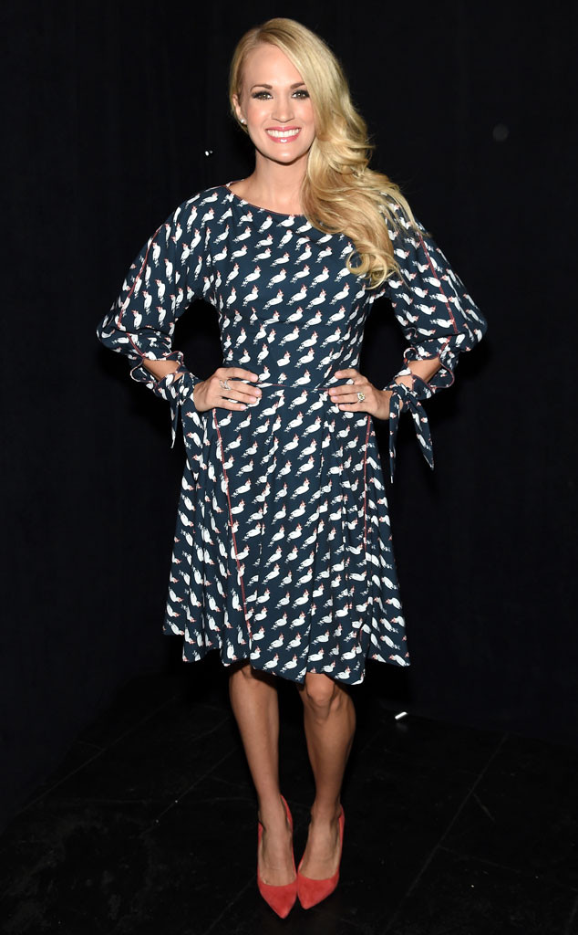 rs_634x1024-150911075358-634.Carrie-Underwood-NYFW-JR-91115