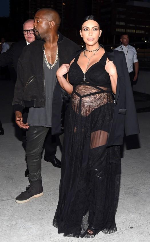 rs_634x1024-150911170851-634.Kanye-West-Kim-Kardashian-Givenchy-NYFW.ms.091115