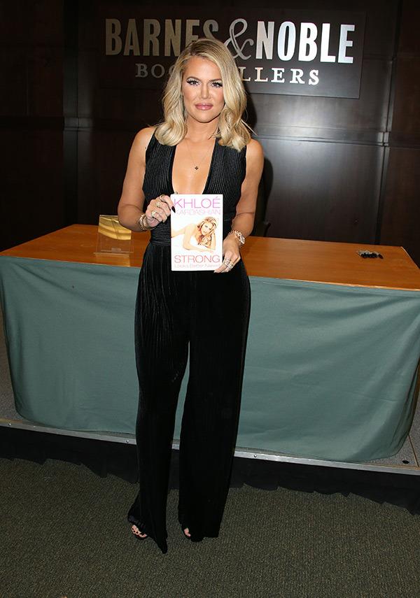 khloe-kardashian-book-signing
