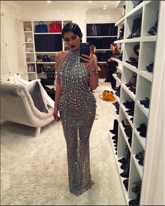 kris-jenner-birthday-party-kylie-ftr