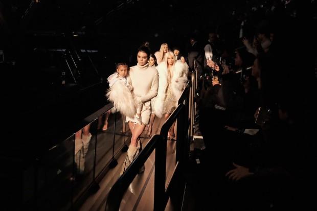 Kanye-West-Yeezy-Season-3-Front-Row-khloe-kim-kourtney-kardashian-kris-kendall-kylie-jenner-lamar-odom-6.jpg