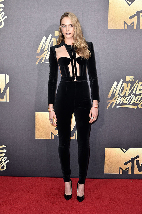 mtv-awards-cara-delevigne1-1